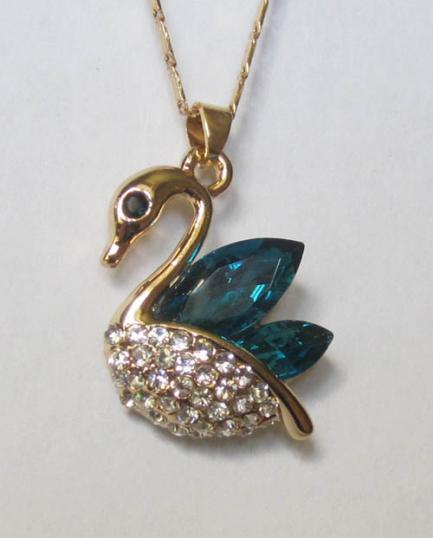 Кулон с цепочкой в виде лебедя с синими фианитами