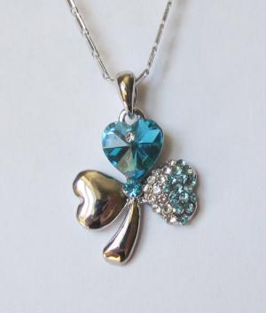 Кулон с цепочкой и голубыми кристаллами Сваровски