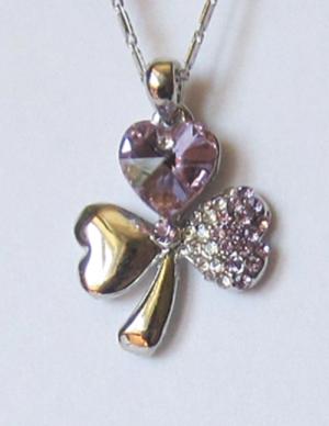 Кулон с цепочкой и сиреневыми кристаллами Сваровски