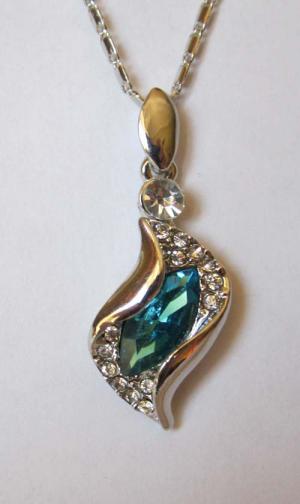 Кулон с цепочкой и бирюзовым кристаллом