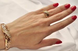 Комплект бижутерии ажурный браслет и кольцо