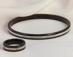 Набор керамической бижутерии черный