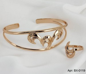 Комплект позолоченной бижутерии браслет и кольцо