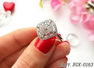 Кольцо родированное с фианитами RIX-0163 гипоаллергенная бижутерия