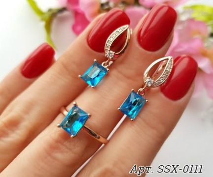 Комплект кольцо и серьги c голубыми фианитами