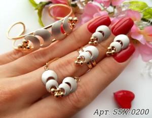 Комплект позолоченные серьги и браслет с белой керамикой