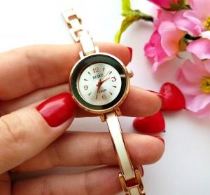 Часы позолоченные с эмалевыми вставками