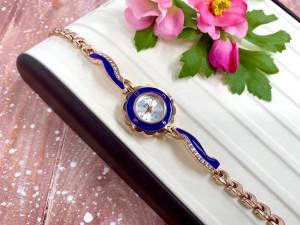 Часы кварцевые позолоченные с синим браслетом