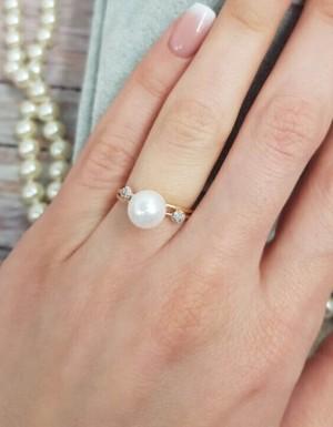 Кольцо позолоченное с жемчугом и фианитом RI-0001 недорого