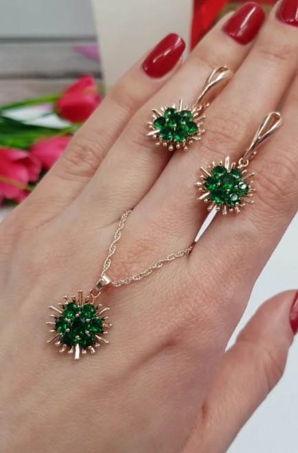 Комплект серьги и кулон с зелеными фианитами