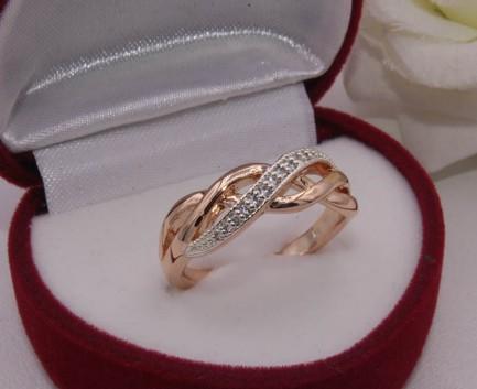 Кольцо позолоченное с фианитовыми вставками R-0015 медицинское золото