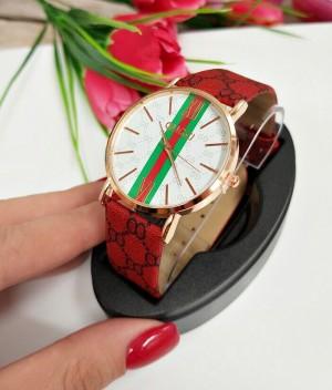 Часы женские кварцевые с красным ремешком под кожу