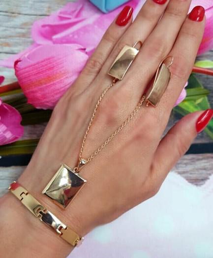 Комплект бижутерии с золотым покрытием браслет, цепочка, серьги
