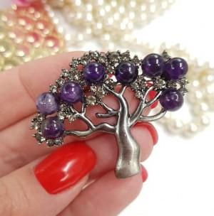 Брошь в виде дерева c фиолетовыми вставками из аметиста
