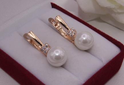 Серьги жемчужные с золотым покрытием E-610 цена
