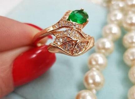 Фианитовое кольцо R-0034 бижутерия