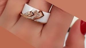 Кольцо позолоченное с белой керамикой и фианитами RK-0021 медицинское золото