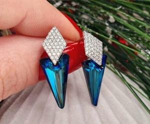 Cерьги родированные с цветными кристаллами Сваровски E-874 цена