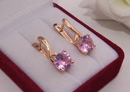 Серьги позолоченные с розовыми фианитами E-969 цена