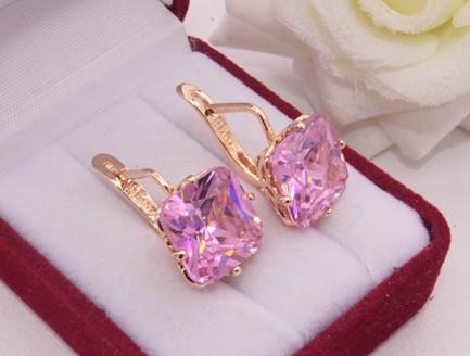 Серьги с розовыми фианитами E-974