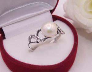 Кольцо посеребренное с жемчугом R-0116 стоимость