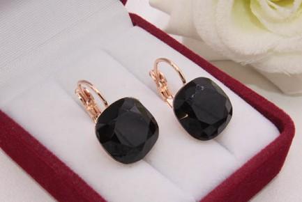Cерьги с черными кристаллами Сваровски E-1130 цена