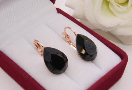 Cерьги с черными кристаллами Сваровски E-1154 цена