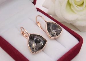 Cерьги позолоченные с кристаллами Сваровски E-1156 цена