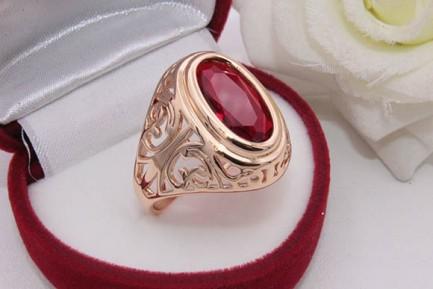Кольцо позолоченное с цветным фианитом R-0131 стоимость
