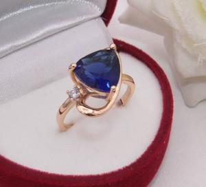 Кольцо позолоченное с цветным фианитом R-0191 купить