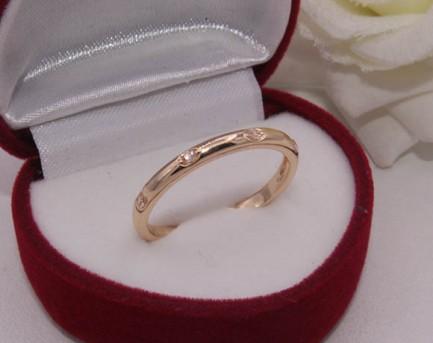 Кольцо позолоченное с фианитами R-0213 купить
