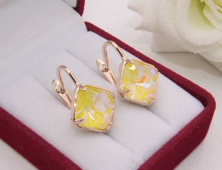 Cерьги с позолотой и с кристаллами Сваровски E-1197 цена