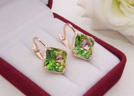Cерьги позолоченные с кристаллами Сваровски E-1200 цена