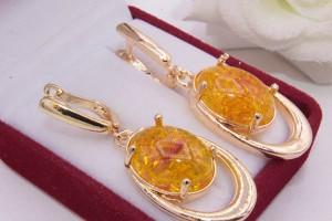 Серьги с имитацией янтаря и золотым покрытием E-1219 цена
