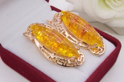 Серьги позолоченные с имитацией янтаря E-1222 цена