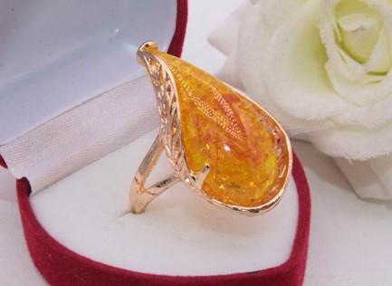 Кольцо позолоченное с вставкой под янтарь R-0230 стоимость