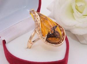 Кольцо позолоченное с искусственным янтарем R-0231 стоимость