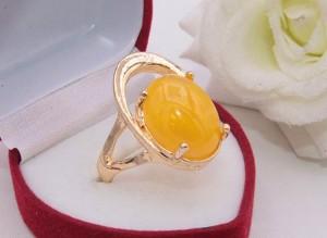 Кольцо позолоченное с цветной вставкой R-0234 бижутерия