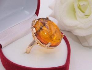 Кольцо с искусственным янтарем R-0236 цена