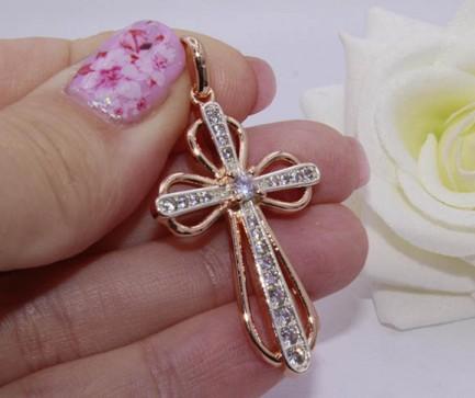 Крест фианитовый с комбинированным покрытием
