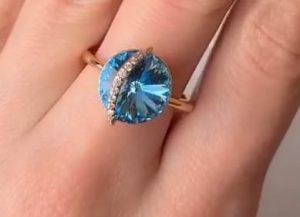 Кольцо с кристаллами Swarovski R-0292 стоимость