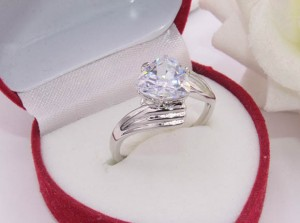 Кольцо родированное с фианитом R-0305 ювелирный сплав