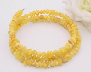 Браслет из желтого янтаря