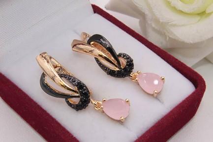 Серьги с черной эмалью и розовыми фианитами