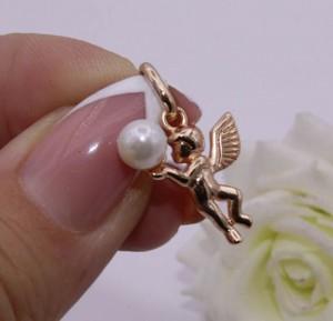 Кулон позолоченный в виде ангелочка с жемчужиной