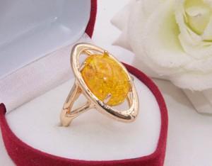 Кольцо с искусственным янтарем R-0328 стоимость
