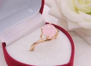 Кольцо позолоченное с фианитовой вставкой R-0342 бижутерия