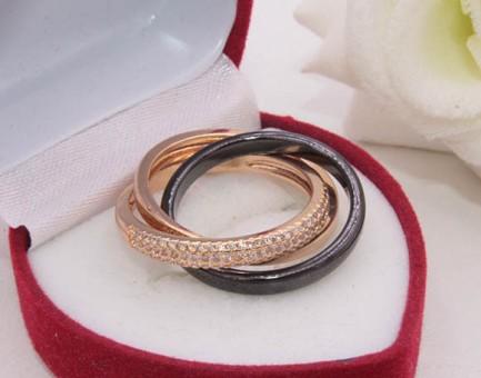 Кольцо с черной керамикой и фианитами R-0345 стоимость