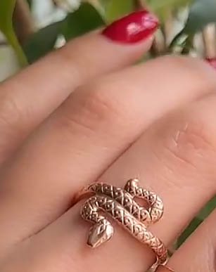 Кольцо позолоченное R-0361 в виде змейки