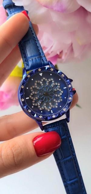 Часы женские кварцевые синие с фианитами